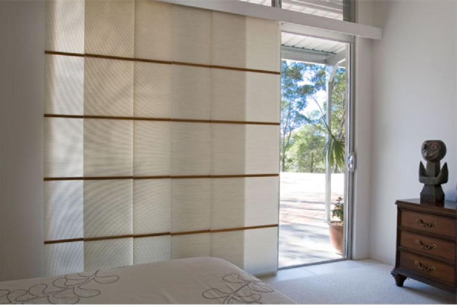 panel blind white pattern